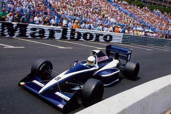 Η κάθοδος είχε ξεκινήσει εδώ και μερικές σεζόν για την ιστορική ομάδα της Brabham και το πλήρωμα του χρόνου ήταν μόλις δυο χρόνια μακρυά. Με τους αδύναμους V8 της Judd στις πλάτες τους, οι G.Foitek, D.Brabham και S.Modena δεν κατάφεραν περισσότερα από τους 2 βαθμούς του τελευταίου, στην πρεμιέρα.