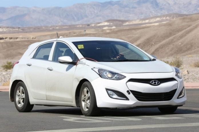Hyundai dedicated hybrid mule spy photo (8)