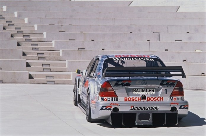 a-short-history-of-the-mercedes-benz-c-class-in-motorsport-photo-gallery_2