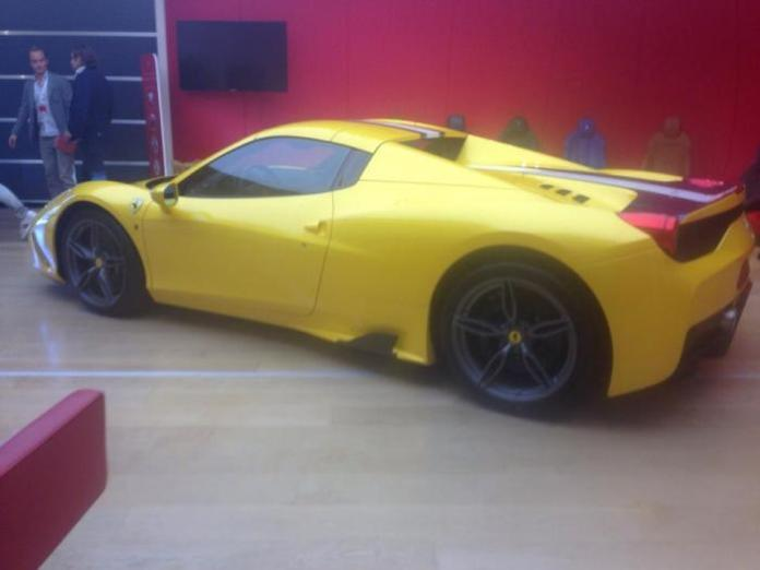 Ferrari 458 Speciale Spider spy photo (2)