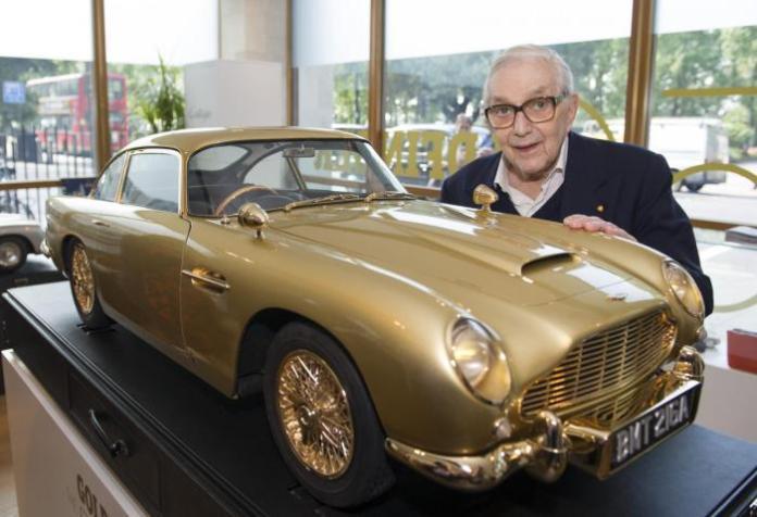 Gold Aston Martin DB5 scale model (1)