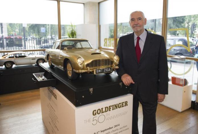 Gold-Aston-Martin-DB5-scale-model-5