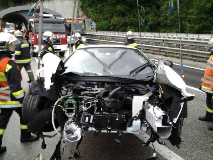 mclaren mp4-12c Spider crash (3)