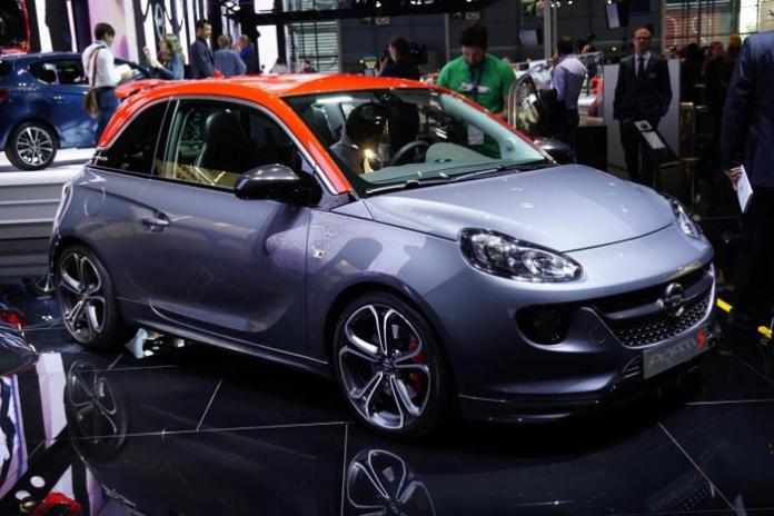 2015 Opel Adam S live in Paris 1
