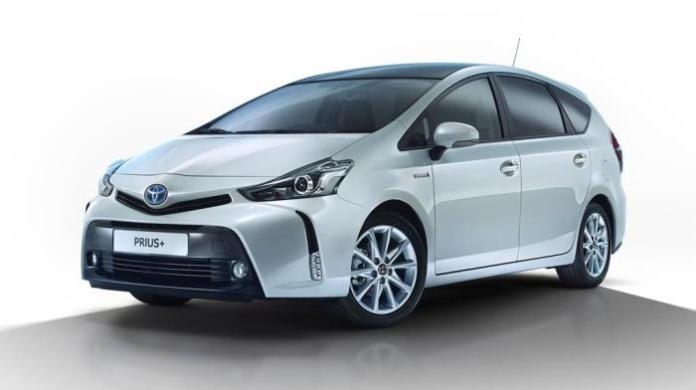 2015 Toyota Prius+ Euro-spec (1)
