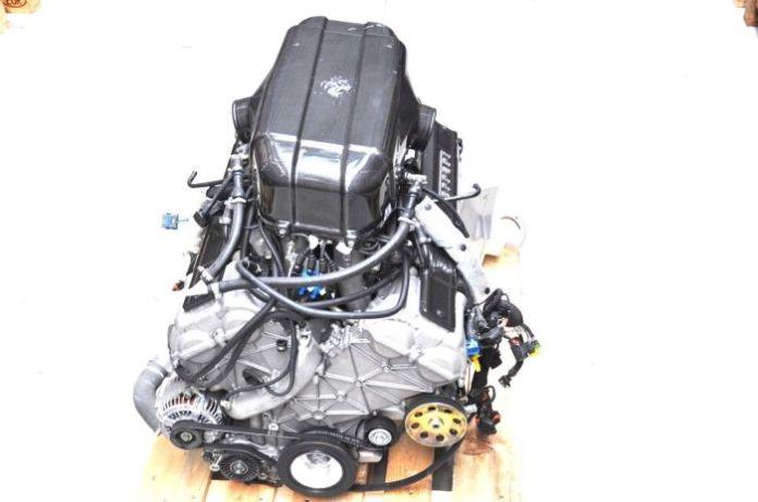 Ferrari Enzo V12 Engine (1)