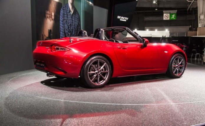Mazda-MX-5-2015-Live-in-Paris-9