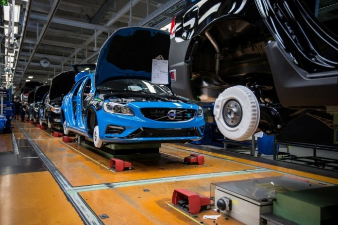 Volvo Cars starts production of the new Volvo S60 and V60 Polestar