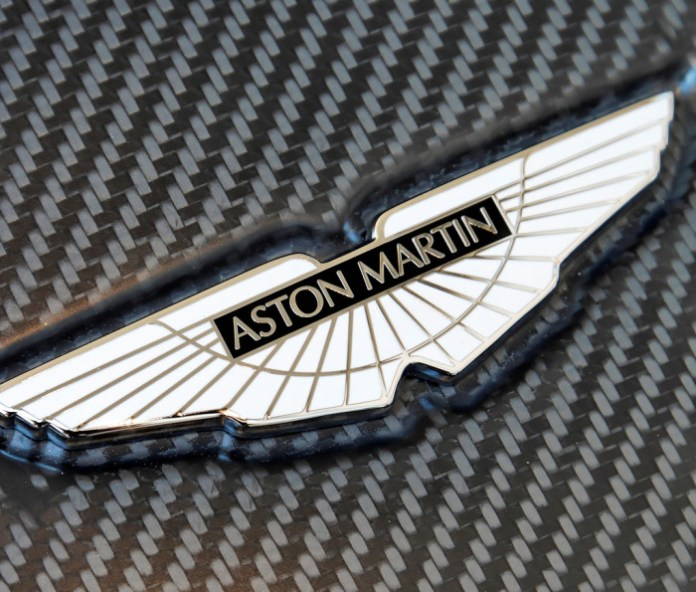 aston-martin-badge_100228014_l
