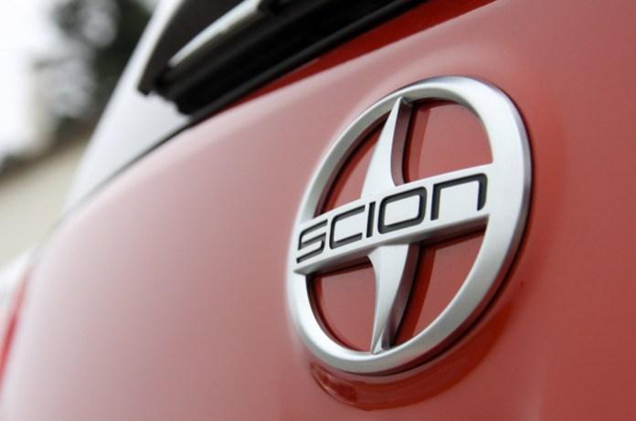 15-2012-scion-iq-fd