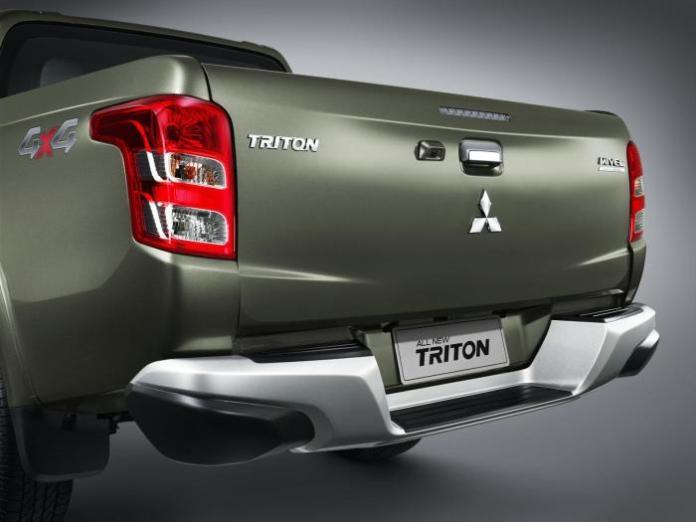 2015 Mitsubishi Triton 16