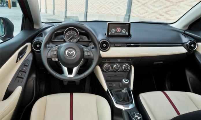 Mazda2-65