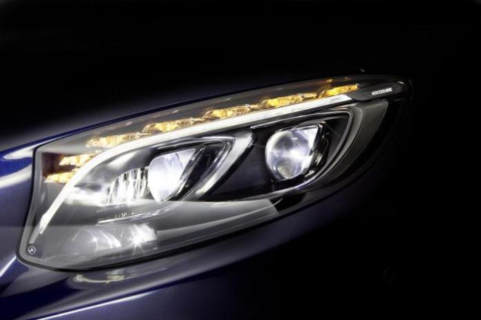 Next-generation Mercedes LED headlights (2)