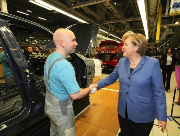 bmw-2-series-convertible-enters-production-in-leipzig-today-photo-gallery_2