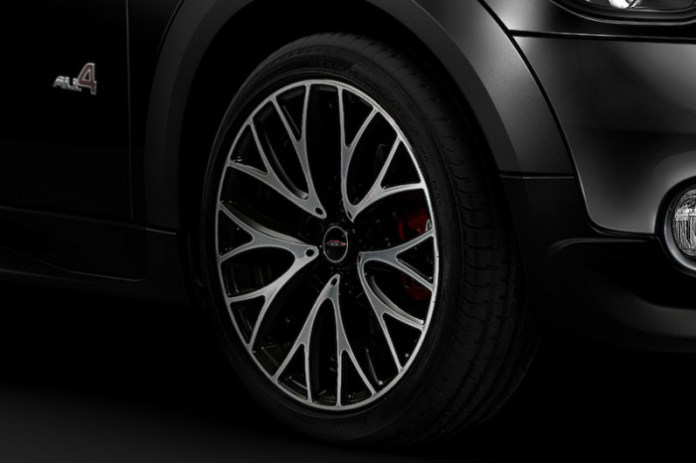 mini-launches-limited-run-black-knight-edition-models-in-japan_4