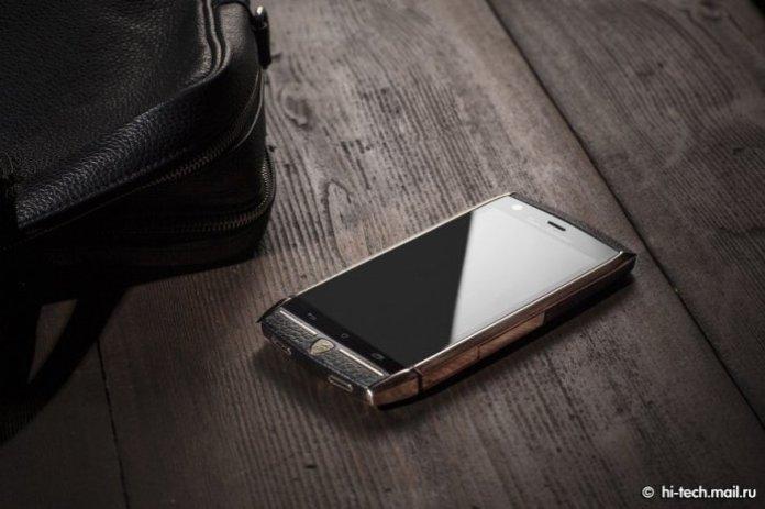 tonino-lamborghini-tauri-88-is-a-luxury-smartphone-created-for-the-rich_3