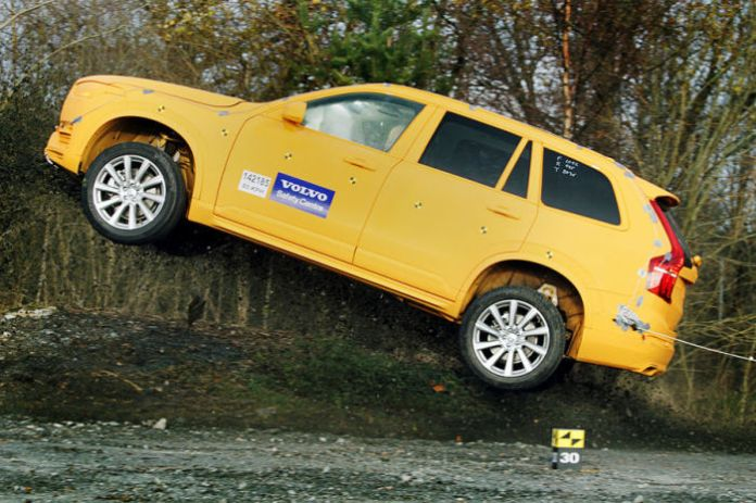 volvo XC90 Ditch Test