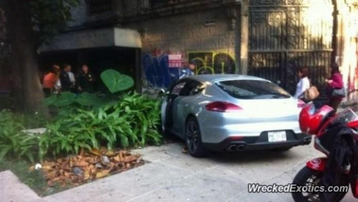 Porsche Panamera Turbo crashed in Mexico City