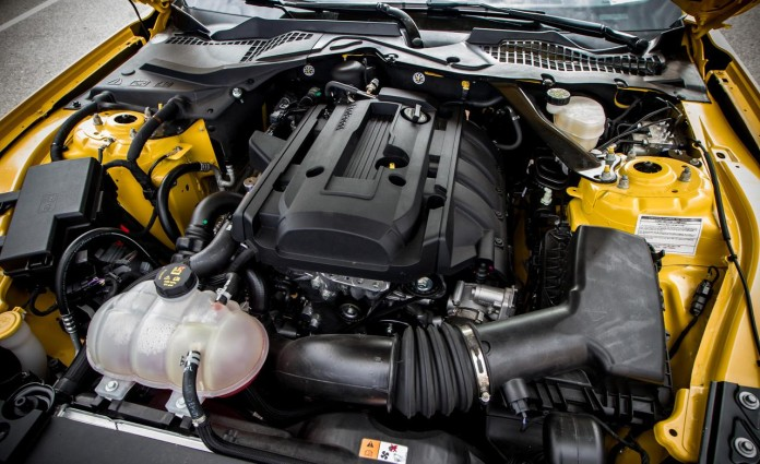 2015-ford-mustang-23l-ecoboost-turbocharged-23-liter-inline-4-engine-photo-598705-s-1280x782