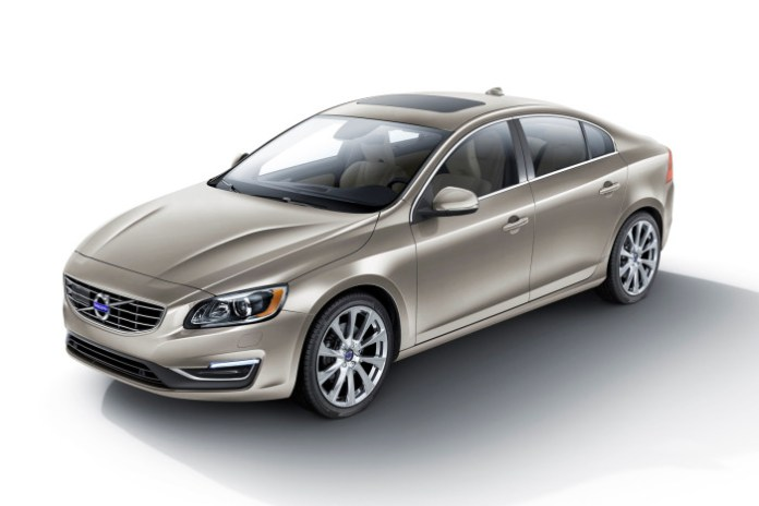 2016 Volvo S60 Inscription (US-spec) (1)