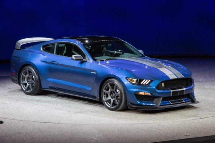 2016-ford-shelby-gt350r-mustang_100496767_l