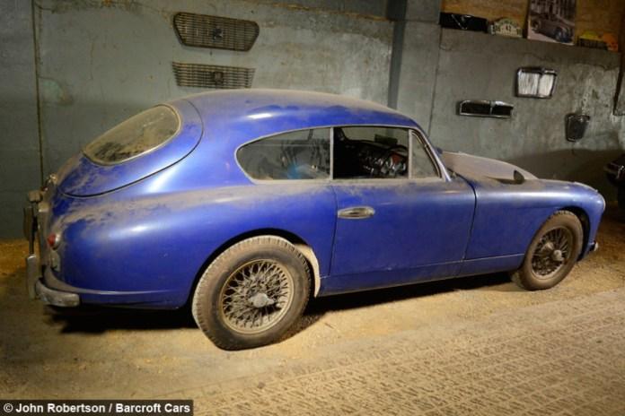 Aston Martin DB2 barnfind (1)