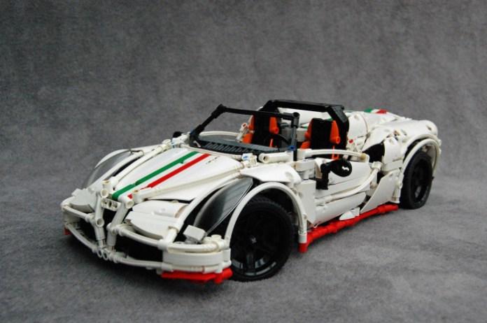 Alfa Romeo 4C Spider by Lego (1)