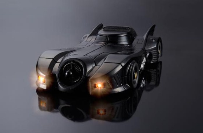 Batmobile Crazy Case by Bandai (1)