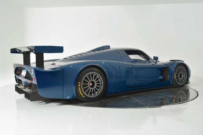 Maserati-MC12-Corsa-Blue-5-1050x700