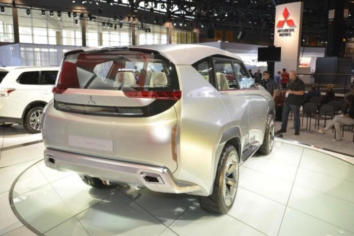 Mitsubishi_Concept_GC-PHEV_15
