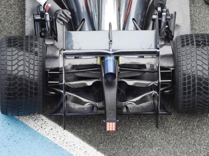 OyZMoSG5S0Un4nv2Y9xv_McLaren rear