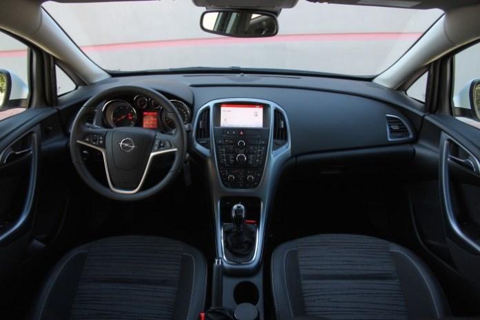 Test_Drive_Opel_Astra_CDTI_110_2001
