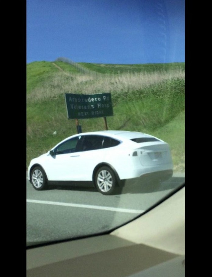 2017-tesla-model-x-production-ready-prototype-spied-on-i-280-in-palo-alto_1