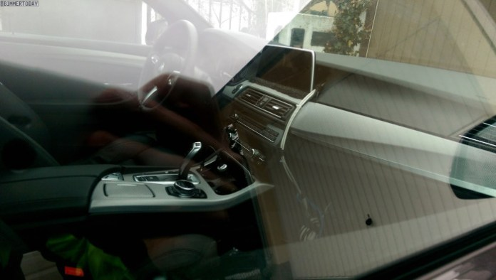 BMW-iDrive-Touchscreen-Test-5er-F11-Prototyp-02