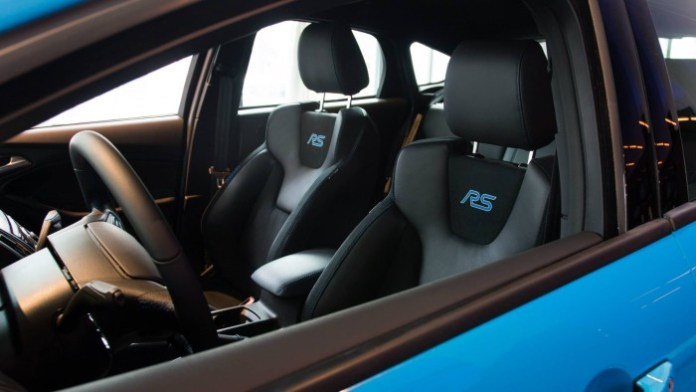 Ford_Focus_RS_USspec08