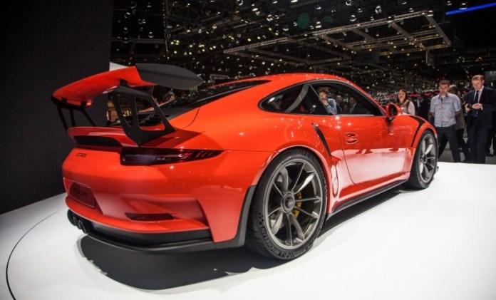 Porsche-911-991-GT3-RS-2400