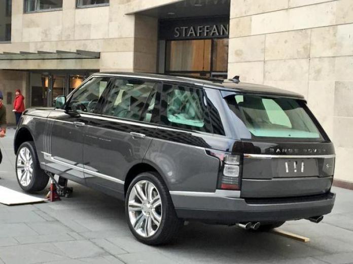Ultra-luxury Range Rover (2)