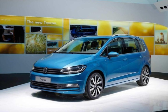 Volkswagen-Touran-2015-in-Geneva-2015-1