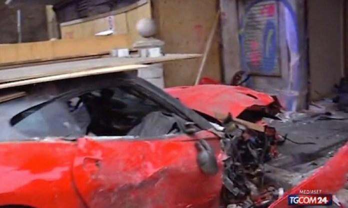 ferrari-599-crash-italie-rome