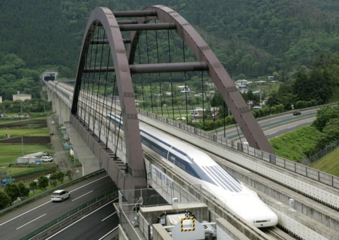 Maglev train (1)