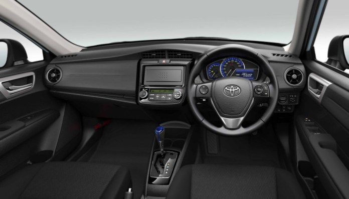 Toyota-Corolla-Axio-Hybrid-G-7