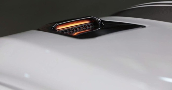 2016 Ford Mustang GT hood turn signals