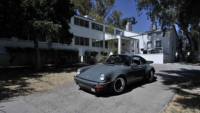 Porsche 930 turbo Steve McQueen (1)