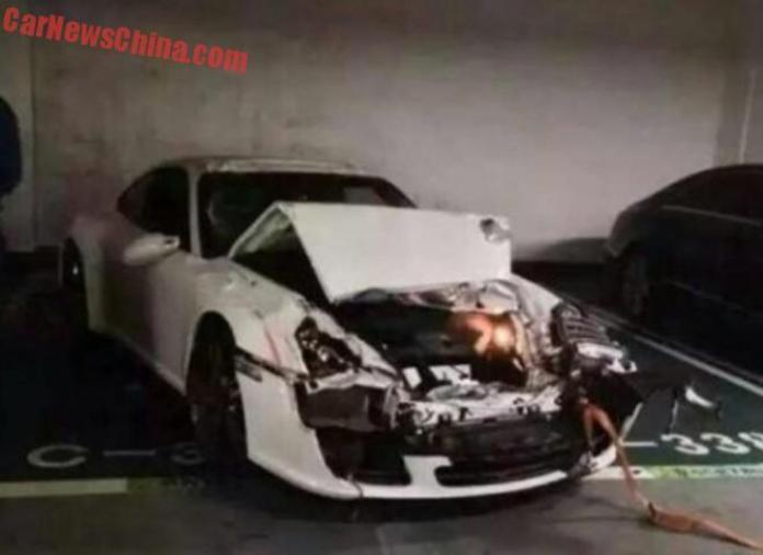Volkswagen Touareg and Porsche 911 crash (2)