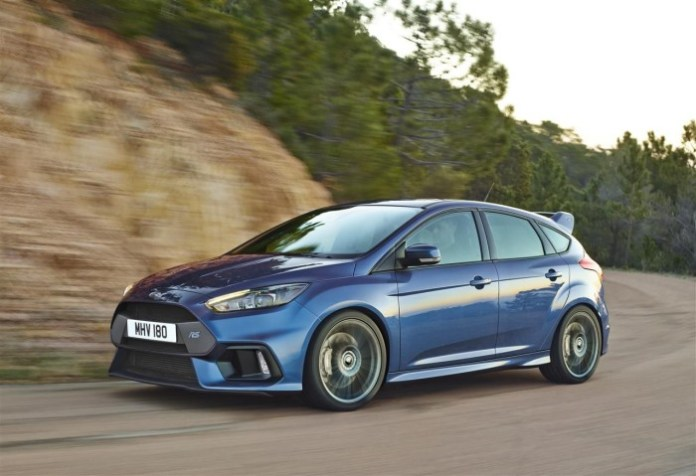 2016-Ford-Focus-RS-019