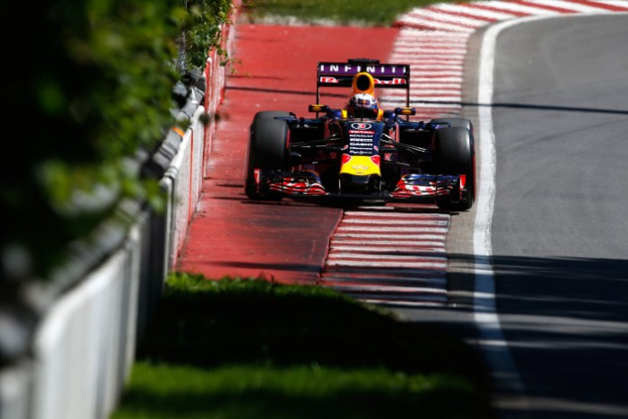 MONTREAL, QC - JUNE 06: Daniel Ricciardo of Australia and Infiniti Red Bull Racing drives during qualifying for the Canadian Formula One Grand Prix at Circuit Gilles Villeneuve on June 6, 2015 in Montreal, Canada. (Photo by Charles Coates/Getty Images)