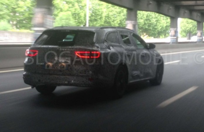 Renault Laguna Estate 2015 spy photos (1)
