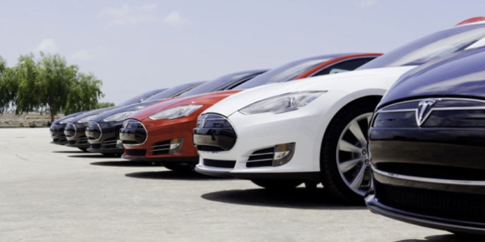 landscape_nrm_1423839924-row_of_teslas