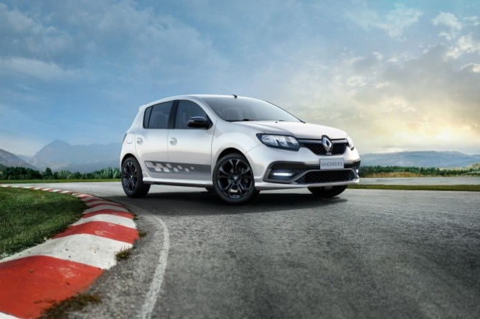 renault-sandero-rs-20-revealed-in-brazil-with-145-hp-of-awesome-video-photo-gallery_6
