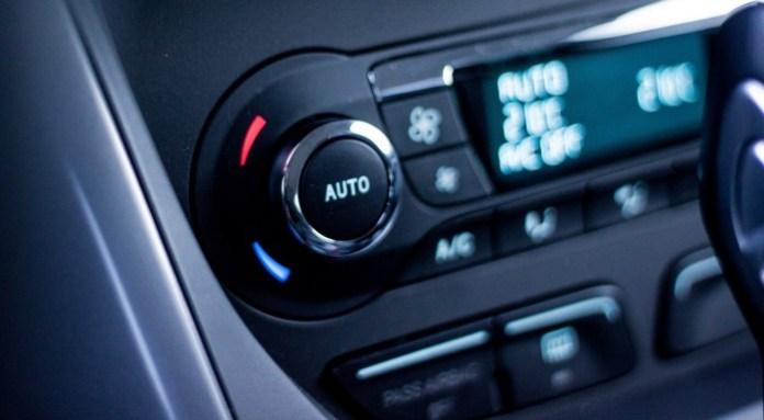 2013-Ford-C-MAX-Climate-Control